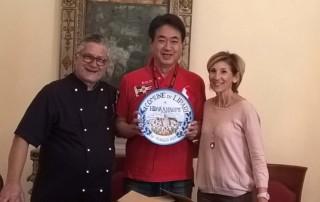 Comune di Lipari, consegna del piatto assessore Pajno
